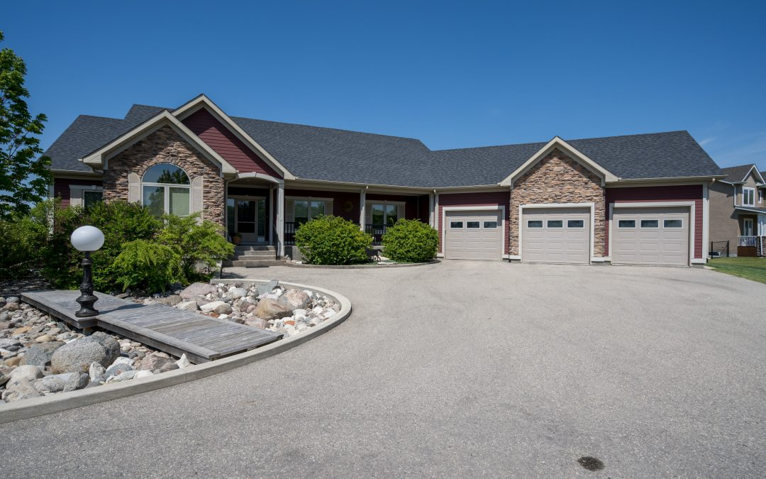 SOLD! 123 Wescana Street, Headingley MB $779,900